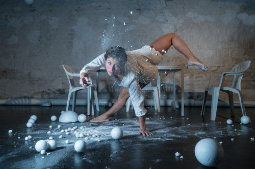 Silvia Salzmanns Choreografie setzt sich mit unserer Güter- und Wertegesellschaft auseinander.more/Sarah mistura