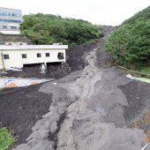 Taifun reißt zehn Menschen in den Tod