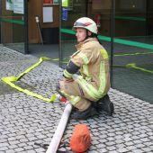 Feuer, Rauch und ein Unfall