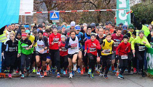 2018 beteiligten sich 2412 Läufer aus 18 Nationen am Altacher Silvesterlauf.Verein