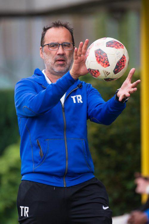Seit zwei Jahren trainiert Peter Jakubec (53) den VfB Hohenems.VN-Stiplovsek