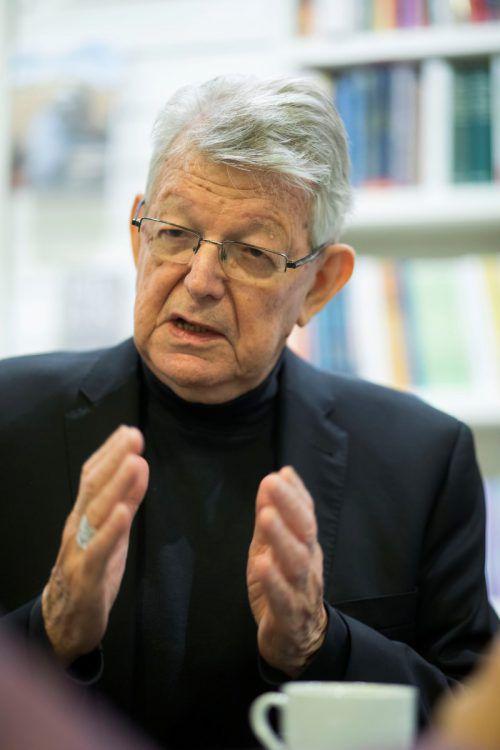 Der Geistliche wirft Bolsonaro menschenverachtendes Handeln vor. VN/Paulitsch