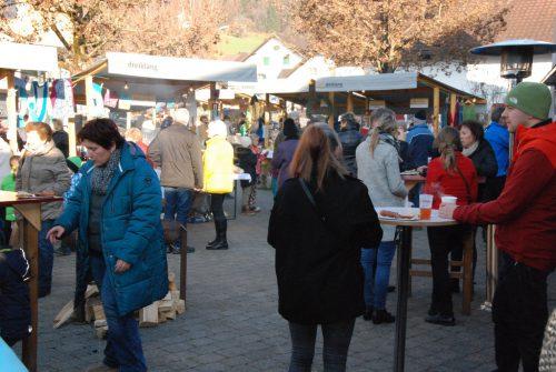 Am Samstag wird zum Weihnachtsmarkt nach Schnifis geladen. ARGE Dreiklang