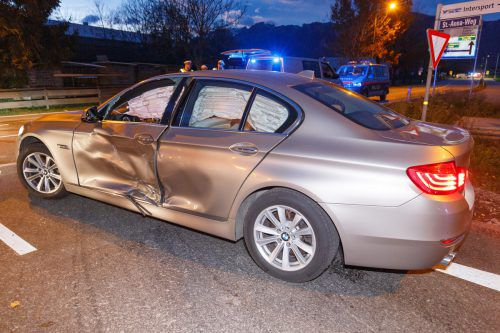 An beiden Fahrzeugen entstand erheblicher Sachschaden. Hofmeister