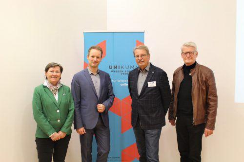 Anna Franz, Prof. Dr. David Stadelmann, Ferry Orschulik und Konrad Schwarz in Andelsbuch. Verein Unikumm