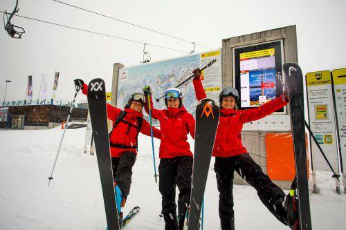 Annika, Katharina und Svea ließen sich den gestrigen Saisonauftakt am Hochjoch nicht entgehen. VN/Paulitsch