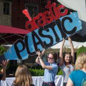 Mit neuen Säcken gegen Mikroplastik