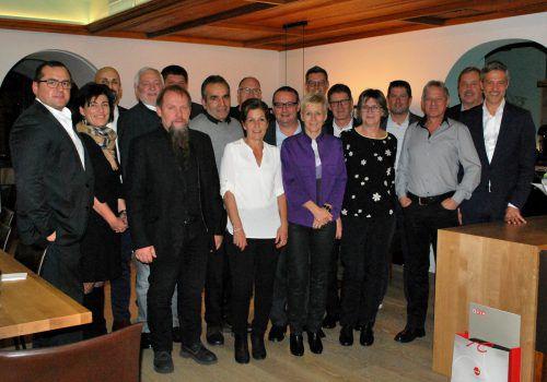 Bei Rondo Ganahl in Frastanz wurden neun Mitarbeiter für ihre langjährige Betriebstreue geehrt und fünf Mitarbeiter in die Pension verabschiedet. Fa