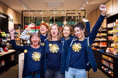 Beim Tee- und Kräutershop Sonnentor, der kürzlich eröffnete, sind die Weihnachtsengel voll motiviert, um gut zu beraten. FA