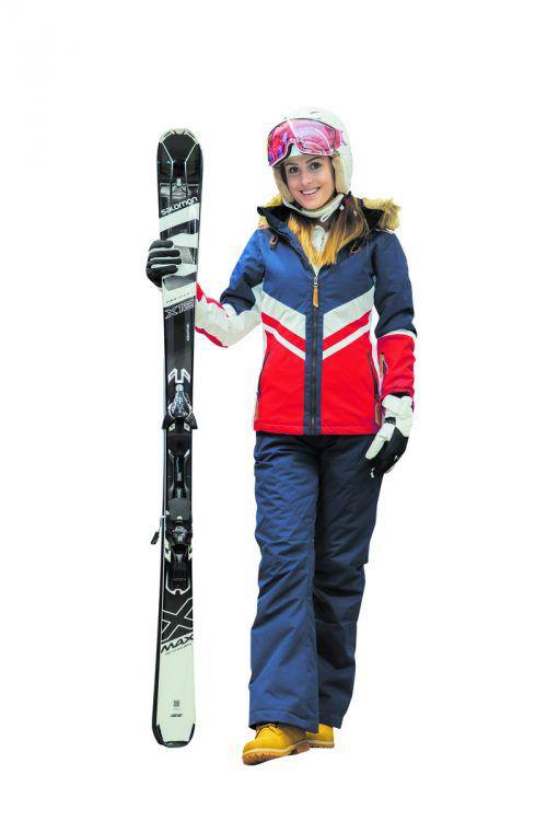 Bereit für die Piste             Lisa aus Dalaas trägt ein Skioutfit von Hervis in Dornbirn: Skihelm Alpina Jump (299,99), Fleecepulli (49,99), Skihandschuhe (59,99), Salomon Carving Ski (399,99), Rehall Snowboardjacke (199,99) und Snowboardhose (99,99) sowie robuste Fila-Schuhe (69,99). VN/Steurer