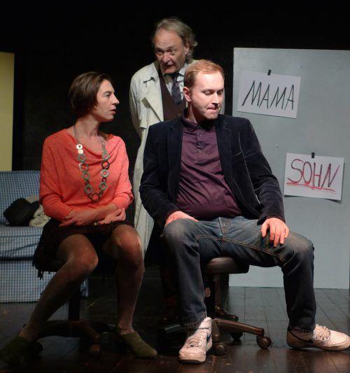 """Birgit Unger, Steffen Essigbeck, Robert Kahr vom Theater der Figur in """"Spurlos"""". theater der figur"""