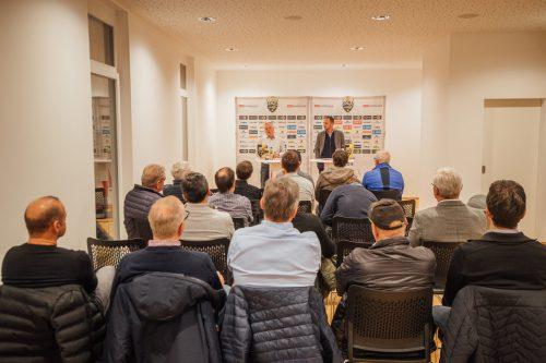 Christian Möckel (v. r.) und Werner Gunz beantworteten alle Fragen.