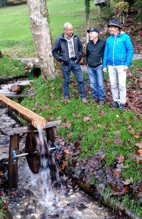 Das neue Wasserrad bereichert den Schwefelberg.Stadt