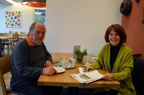 Der ehemalige Personalchef Egon Wehinger erzählte Margit Bartl-Frank von seinen Erlebnissen in der Spinnerei Hämmerle. Hofer