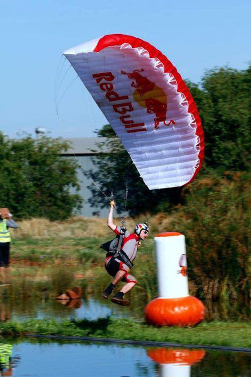 Der Harder Marco Fürst wurde Weltmeister im Zielspringen bei der Fallschirm-WM in Südafrika.Verein