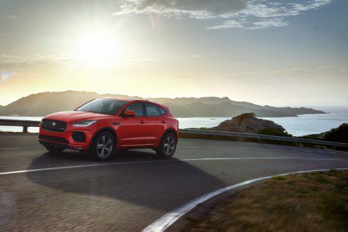 Der Jaguar E-Pace ist ein Verwandter des Range Rover Evoque der vorigen Generation. Optisch ist er außen wie innen ein echtes Katzenfamilien-Mitglied.