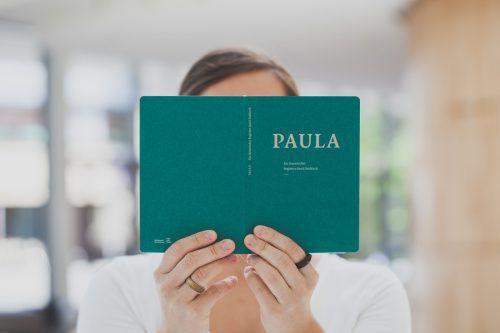 Der litararische Stadtbegleiter Paula hat einen zweiten Band erhalten. SKF/Türtscher