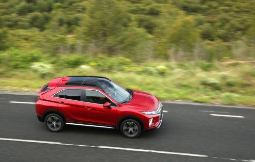 Der Mitsubishi Eclipse Cross hat den Marken-Brüdern einige Elemente seines expressiven Designs weitergereicht. Zu haben ist er mit Benzinern und Dieseln.