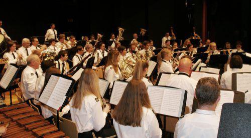 Der Musikverein spielt im Reichshofsaal auf. pe