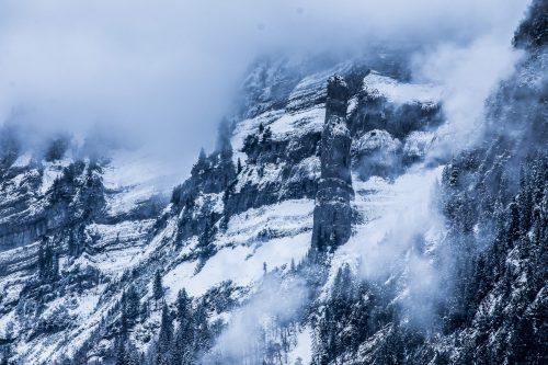 Der Name der Wirmsäule soll auf den gleichnamigen Riesen zurückgehen, weiß Franz Elsensohn. Er setzt sich intensiv mit Vorarlbergs Sagen auseinander. VN/Steurer, Stiplovsek