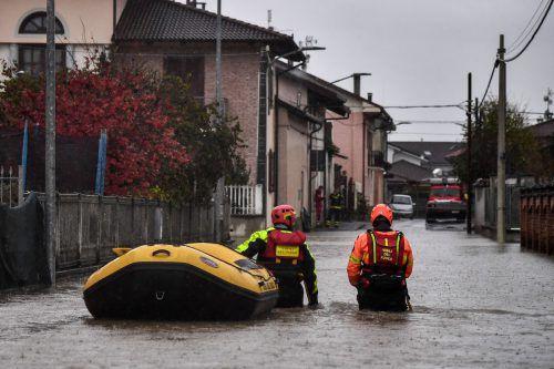 Der Po trat über die Ufer und überschwemmte Wohngebiete. afp
