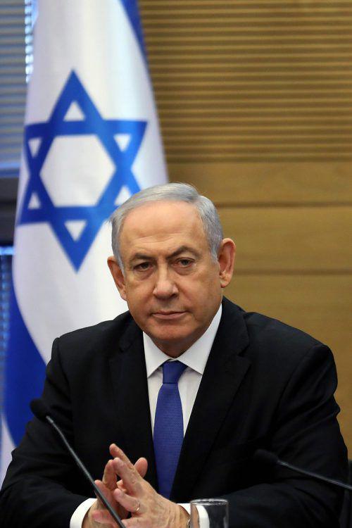 Der Regierungschef wertet die Anklage als Putschversuch. AFP