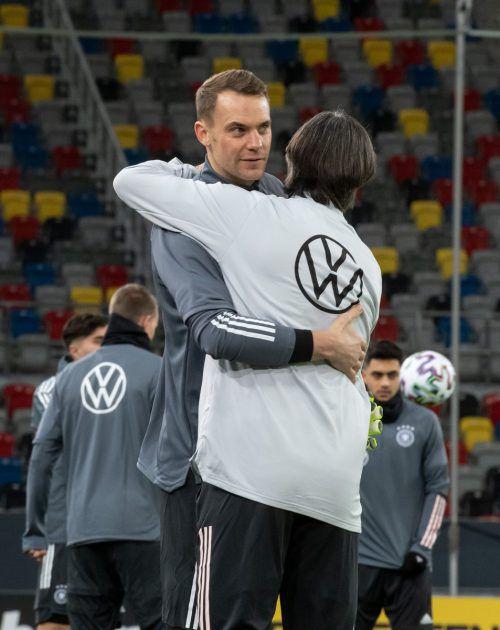 DFB-Coach Jogi Löw setzt heute auf Manuel Neuer im Tor der Deutschen.dpa