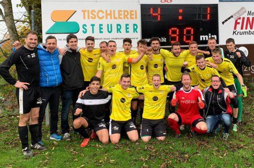 Die FC-Krumbach-Kicker gehen als überlegener Tabellenführer in die Winterpause. siha