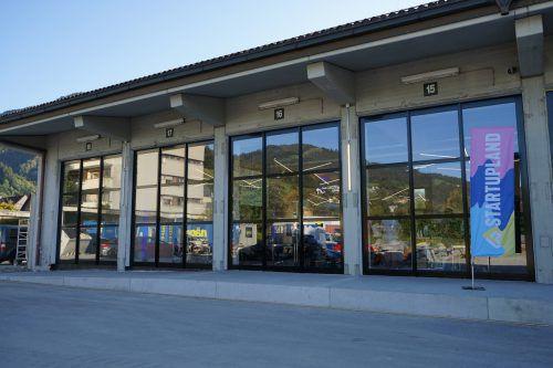 Die frisch renovierten Postgaragen am Campus V. Stadt