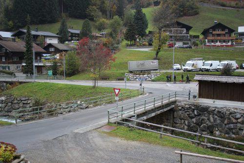 Die Kirchbrücke in Silbertal wird um 250.000 Euro neu errichtet - was vom Ursprungsbau erhalten bleibt, sind die Sockel. VN/JLO