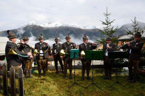 Die Landeshubertusfeier zum 100-jährigen Jubiläum der Vorarlberger Jägerschaft beginnt heute um 18 Uhr mit einem Glühweinempfang beim Walserensemble in Brand. DOB