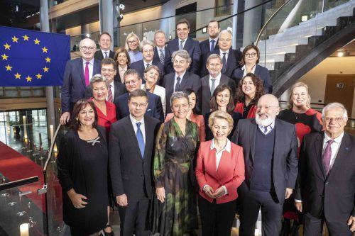 Die neue Kommissionpräsidentin von der Leyen und ihr Team: Die Brüsseler Behörde besteht aus insgesamt 27 Mitgliedern.AP