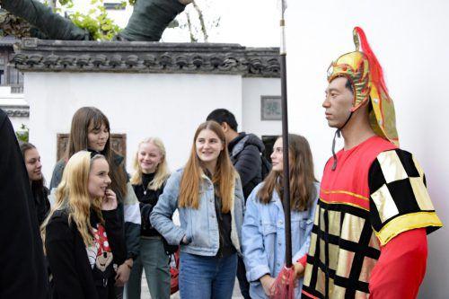 Die Schüler besichtigten viele Sehenswürdigkeiten.