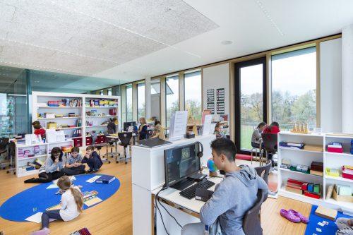 Die Schule am See in Hard ist ein besonderer Ort des Lernens.schule am see