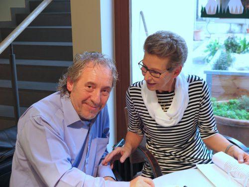 Die Vorstandsmitglieder Doktor Heinz Sturn und Diplomkrankenpflegerin Ursula Ess.