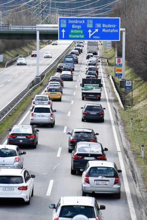 Die winterlichen Staus sollen sich auf der Autobahn abspielen. VN/Lerch