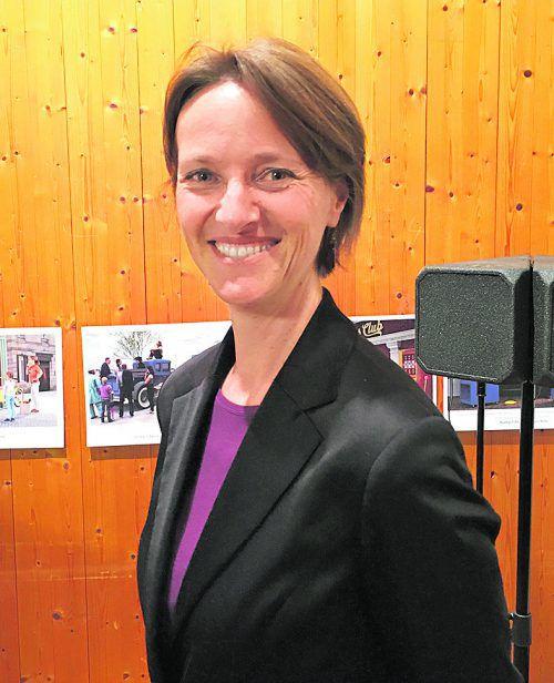 Dr. Magdalena Holztrattner.TM