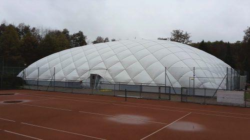 Eine neue Traglufthalle, die ab Herbst 2020 auf der Anlage des TC Bludenz über drei Plätze installiert wird, erweitert die Trainingsmöglichkeiten im Winter. Symbolfoto