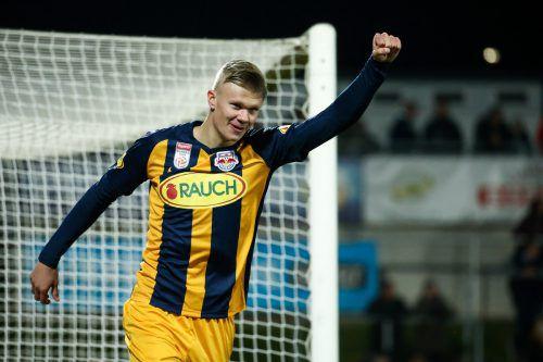 Erling Haaland erzielte drei Tore beim 3:0-Sieg von RB Salzburg über Wolfsberg.Gepa