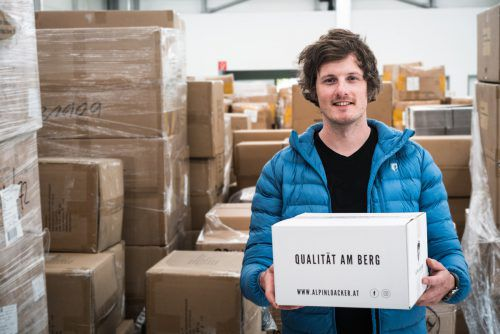 Felix Loacker nutzt die Möglichkeiten des Online-Handels und ist mit eigener Alpin-Marke erfolgreich. Alpin Loacker