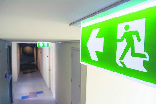 Fluchtwege dürfen nicht verstellt werden.foto: shutterstock