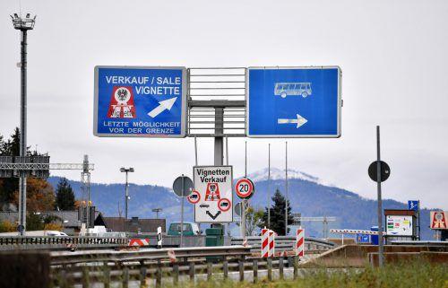 Fünf Streckenabschnitte werden in Österreich vonder Vignettenpflicht ausgenommen.APA