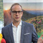 Lobt sich Bürgermeister Dieter Egger in selbst verfassten Leserbriefen? A4
