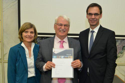 Historiker Günter Bischof durfte den Hauptpreis entgegennehmen. VLK