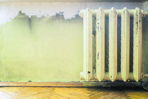 Installateure sind die Experten für effiziente Heizungssanierungen.foto: Shutterstock