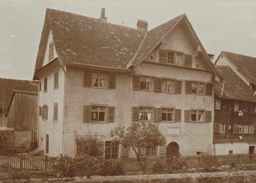 Jüdisches Armenhaus in der Israelitengasse (heute Jakob-Hannibal-Straße) in Hohenems um 1900. Es wurde im Jahr 1924 der Gemeinde geschenkt. Jüdisches museum
