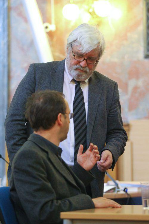 Jürgen H. (Vordergrund) mit seinem Verteidiger Klaus Grubhofer. Dieser ist für ihn mehr als nur ein Rechtsanwalt.