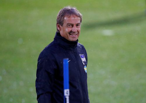 Kaum zwei Tage im Amt, krempelt Jürgen Klinsmann die Hertha schon um. reuters