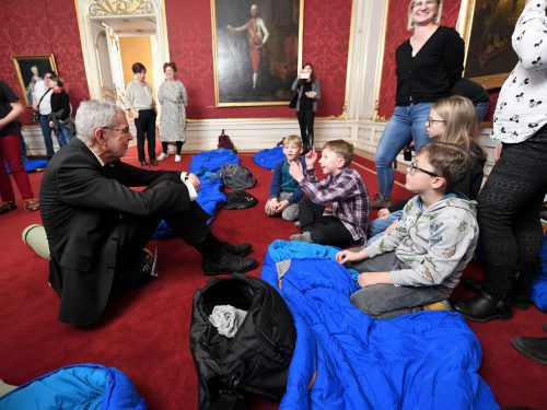 Kinder des SOS Kinderdorfs durften diese Nacht in der Hofburg schlafen. APA