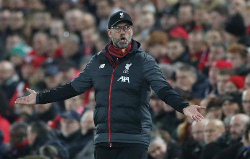 Liverpools Trainer Jürgen Klopp haderte mit dem 1:1-Remis zuhause an der Anfield Road gegen SSC Napoli. Er weiß um die Schwere des Spiels bei RB Salzburg.reuters